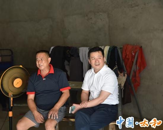 太和縣委書記楊波督導脫貧攻堅和信訪維穩工作