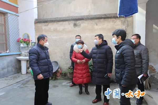 太和縣委書記楊波深入一線督導疫情防控工作