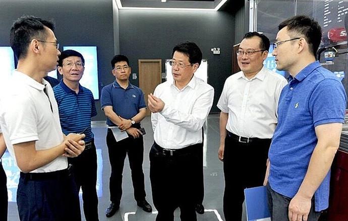 杨光荣到颍东、颍泉调研经济社会发展和脱贫攻坚工作