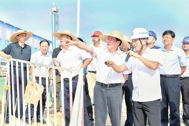 楊光榮:堅持產城一體融合發展 高質量提升城鎮化水平