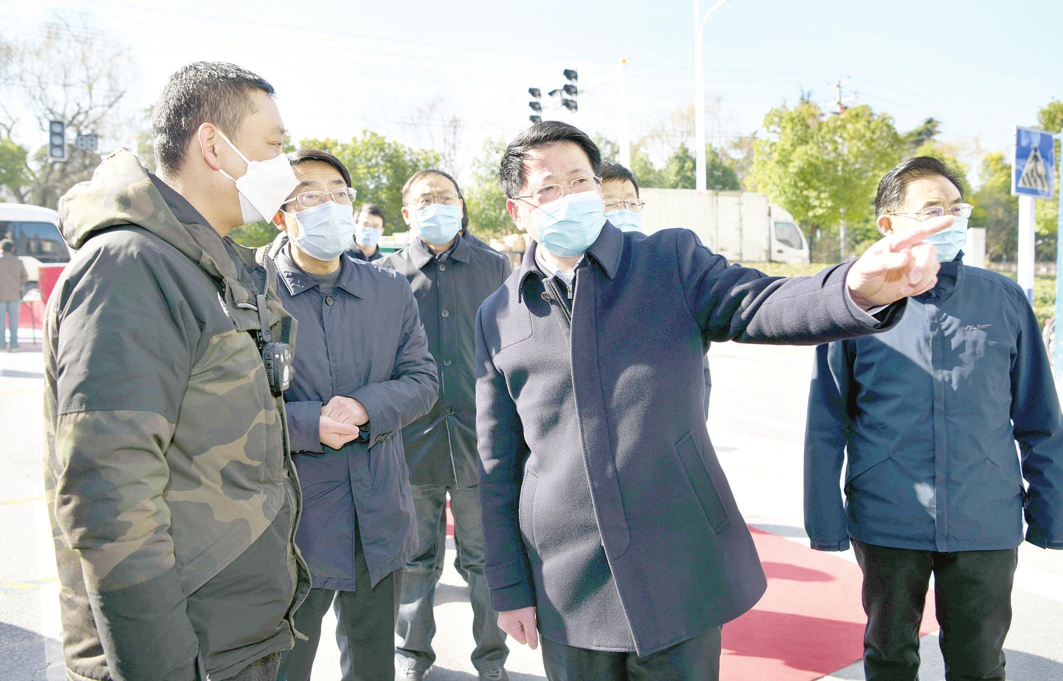 """杨光荣深入阜城部分""""三无""""小区、重点地区,暗访督导疫情防控工作"""