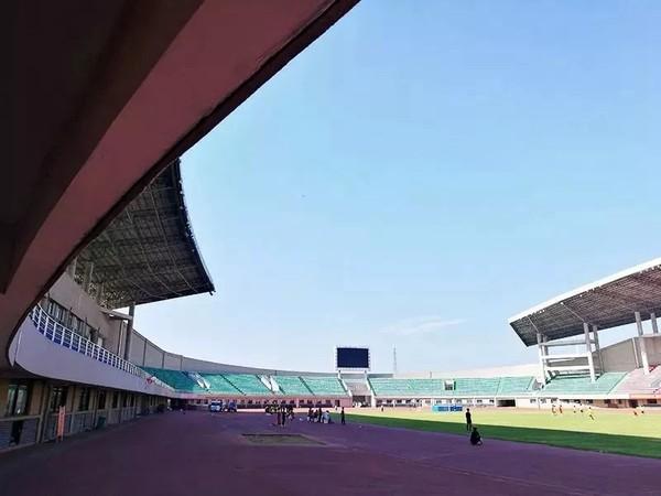 临泉体育场