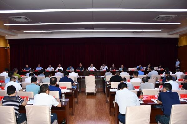 臨泉縣委召開常委會研究上半年經濟運行等工作