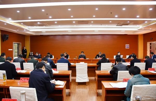 临泉县委常委会暨县委理论学习中心组学习扩大会召开