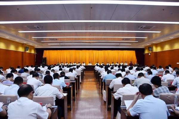 临泉县委常委扩大会召开