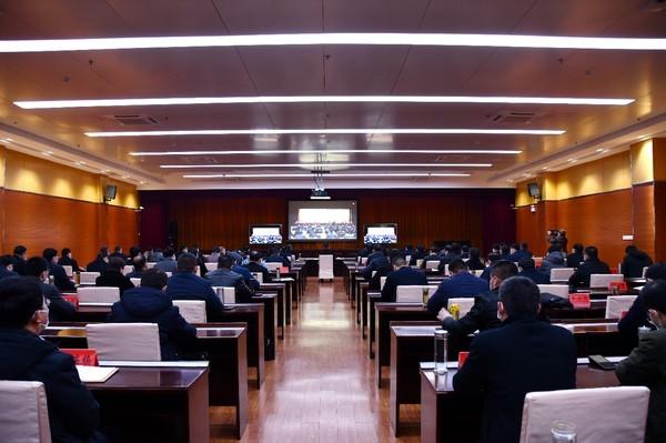 临泉县组织收听收看省委农村工作电视电话会