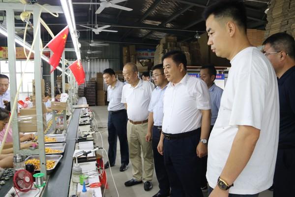 李涛到颍泉区开展第八批选派工作走访调研
