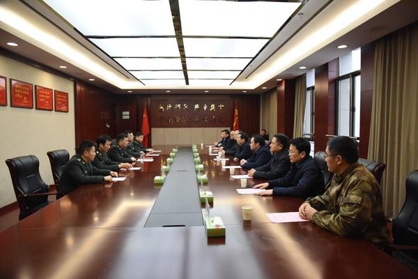 潁東區四大班子領導慰問駐阜官兵