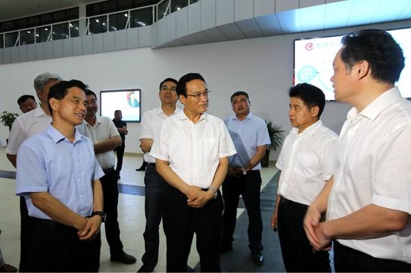 颍上县党政考察团到颍东考察工业经济发展工作