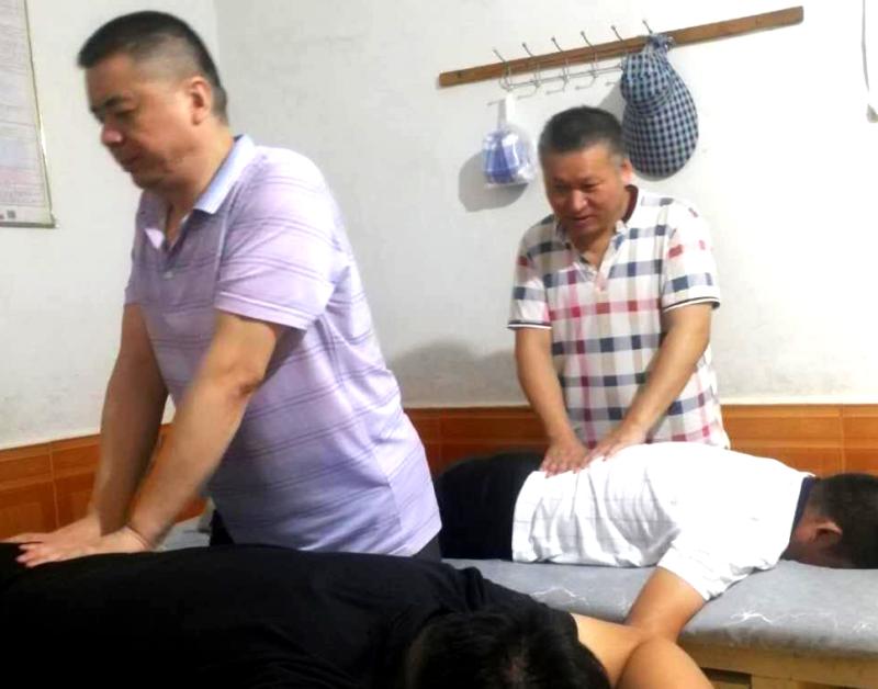 优秀残疾人 贾建华.png