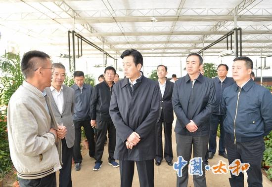 省人大常委会副主任谢广祥调研指导太和县脱贫攻坚工作